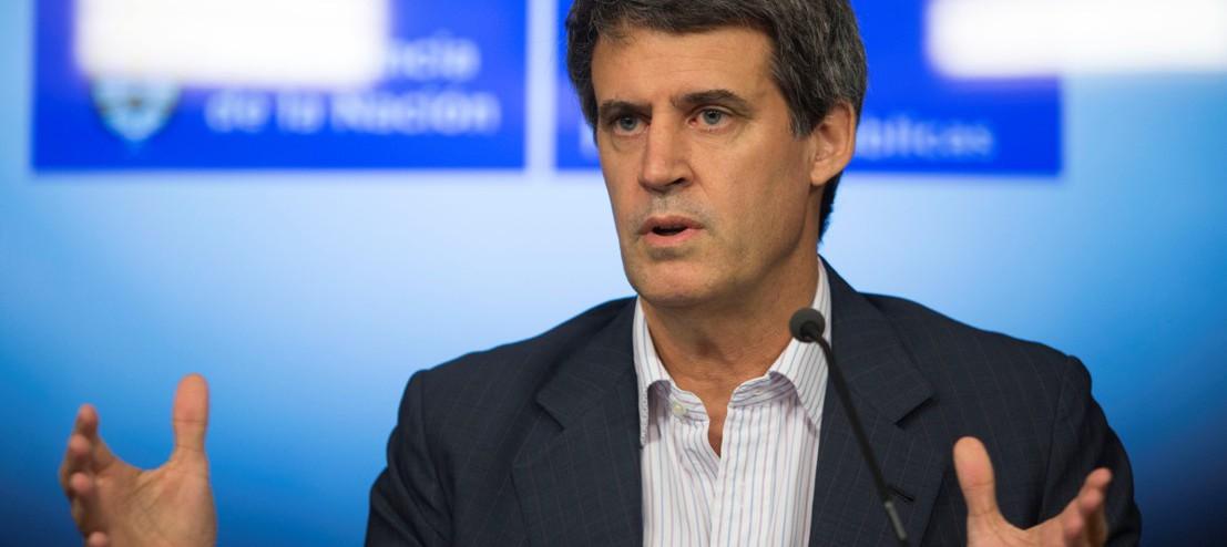 zzzznacp2NOTICIAS ARGENTINAS BAIRES, DICIEMBRE 30: El ministro de Hacienda y Finanzas, Alfonso de Prat Gay durante la conferencia de prensa que ofrecio esta tarde. Foto NA: DAMIAN DOPACIOzzzz
