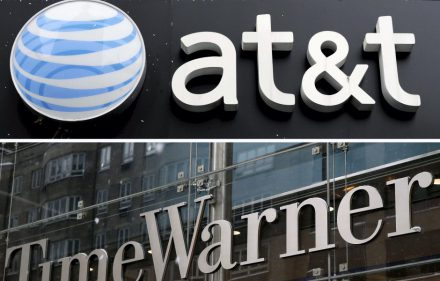 . New York (United States), 23/12/2008.- (FILE) A combo file picture made available on 23 October 2016 shows an AT&T store (top) in New York City, New York, USA, on 04 December 2008, and a view of the Time Warner Center (bottom) in New York City, New York, USA, on 13 February 2014. US telecommunications company AT&T Inc. announced on 22 October 2016, it reached an agreement to acquire multinational media and entertainment conglomerate Time Warner Inc. (TWI) for 85.4 billion US dollar (about 78.4 billion euro). AT&T will acquire Time Warner in cash and stock transactions valued at 107.50 US dollar per share, the company said. The deal, which needs to be approved by regulators, was said to be unanimously agreed by both companies' boards directors. (Estados Unidos) EFE/EPA/JUSTIN LANE/JASON SZENES