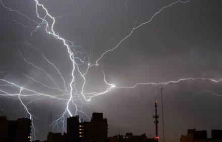 espera-fuerte-tormenta-madrugada-domingo_iecima20141004_0028_7
