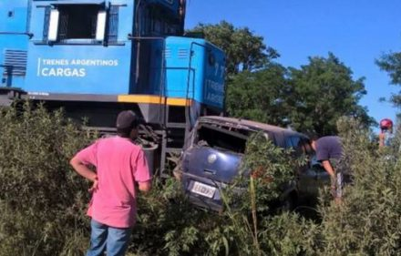 quedo-auto-accidente-sl24comar_claima20161105_0229_28_35838_35838