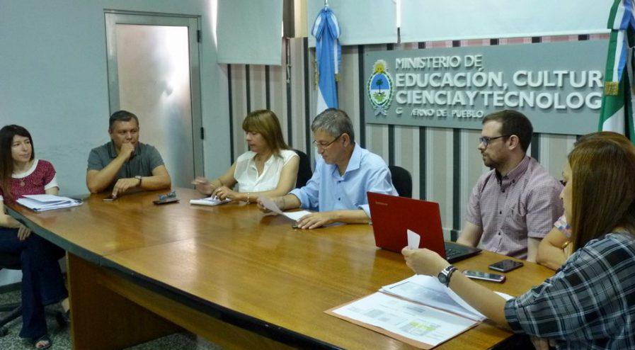 Educación coordina trabajo con referente de comedores ...