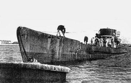 Submarino-nazi-en-Mar-del-Plata-julio-de-1945