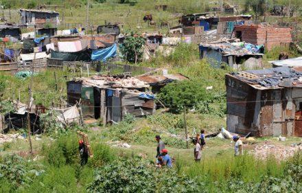 pobreza-1-1052x526