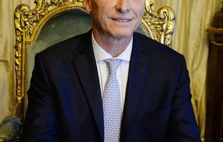 Presidente_Macri_en_el_Sillon_de_Rivadavia_(cropped)