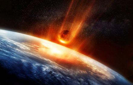 asteroide-cayendo-en-la-tierra