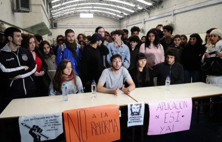 Conferencia de prensa de estudiantes por la toma de colegios Foto Juano Tesone