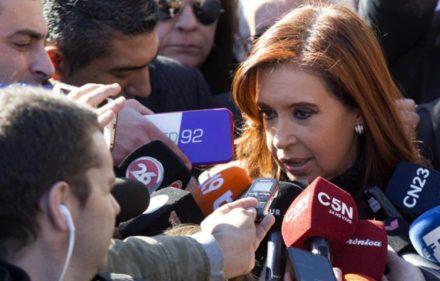 Cristina-con-medios