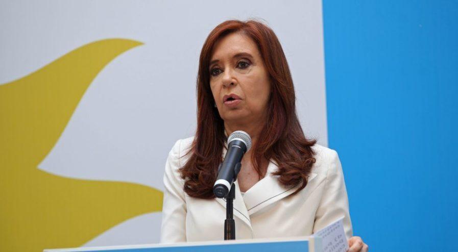 zzzznacp2NOTICIAS ARGENTINAS BAIRES, OCTUBRE 10: La expresidenta y candidata a senadora Cristina Kirchner durante la conferencia de prensa que ofrece en el Instituto Patria.   Foto NA: JUAN VARGASzzzz