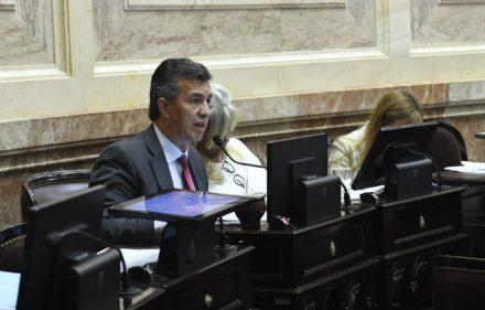thumbnail_Aguilar Los jubilados deben tener igual derechos que los trabajadores