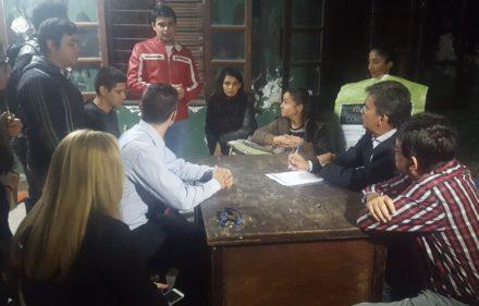 Zimmermann con jovenes del IES (1)