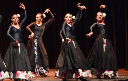 02_danza_-_cada_loco_con_su_danza_-_instituto_paquita_gomez_2_63585_63585