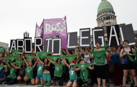 Panuelazo-marcha-protesta-aborto-legal-Congreso-10-1