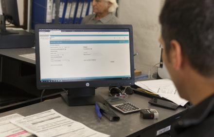 Brandsen, Provincia de Buenos Aires,  oficina local donde productores pagan el SIGSA, Sistema Integral de Gestion de Sanidad Animal.
