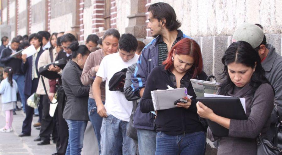 desempleo-trabajo-joven-colas-empleo