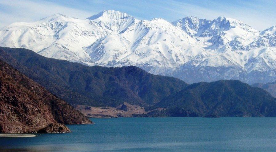 Esquí-montañismo-excursiones-y-playas-en-Chubut-1024x768