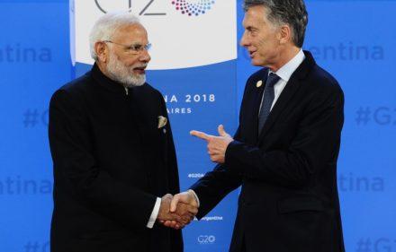 30-11-2018 Cumbre de líderes del G-20, foto de familia, Macri con mandatarios Foto David Fernández