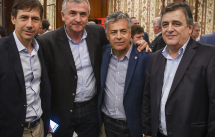 CUMBRE RADICAL  ALFREDO CORNEJO / MARIO NEGRI / Luis Petcoff Naidenoff / Morales gobernador / Gustavo Valdés / Gerardo Morales FOTO FEDERICO LOPEZ CLARO