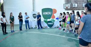 Entrega de indumentaria en Hindú (1) (1)