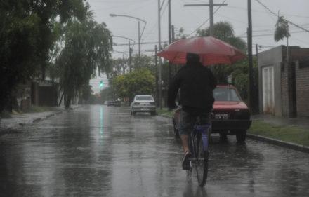 LLuvia,tormenta. LA CAPITAL/Virginia Benedetto (Rosario - Argentina - Tags: Ciudad)