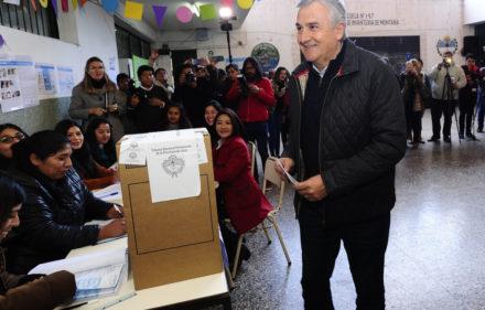 País - El gobernador de Jujuy Gerardo Morales emite su voto con el que busca la reelección, en la escuela  nro 147 de San Salvador. 09-06-2019 Foto: Fernando de la Orden / Enviado Especial