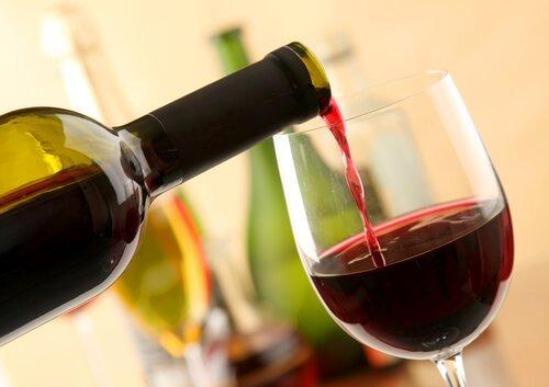 excelente-cajas-de-vino-tinto-espanol-campo-san-victorio-D_NQ_NP_861543-MEC27583857126_062018-F