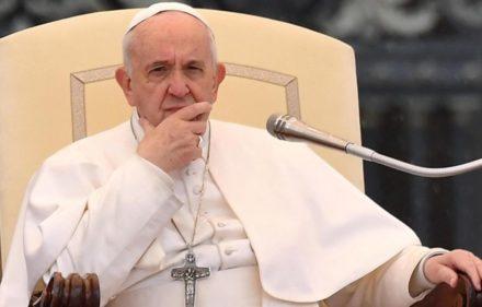 EPA150. CIUDAD DEL VATICANO (VATICANO), 10/04/2019.- El papa Francisco preside la audiencia general semanal, este miércoles, en la plaza de San Pedro del Vaticano. EFE/ Ettore Ferrari