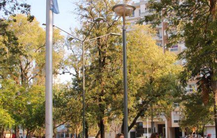 thumbnail_Izamiento en la Plaza 12 de Octubre (2)