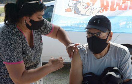 Vacunación en el barrio Niño Jesús (1)