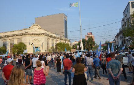 Banderazo 12 de Octubre Resistencia (8)