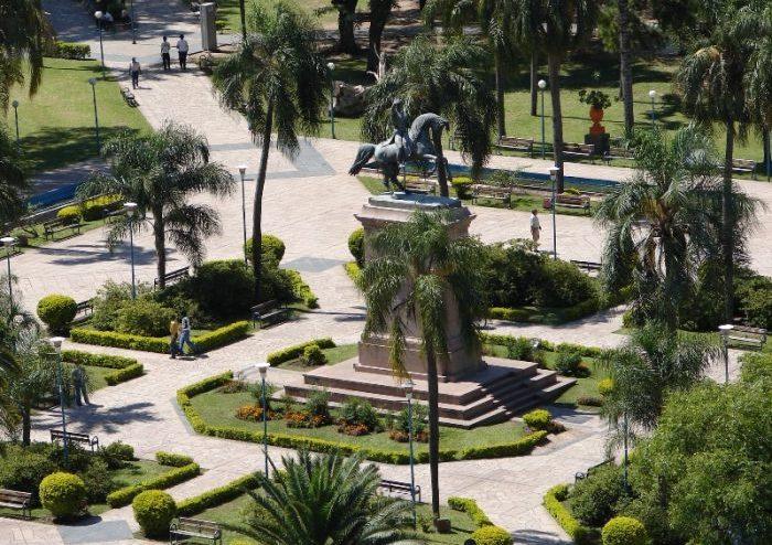 plaza_25_mayo_soleado_1_46558_46558-700x525
